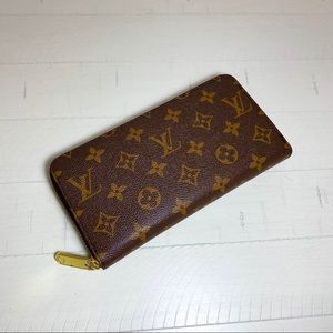 Louis Vuitton Zippy Wallet Brown